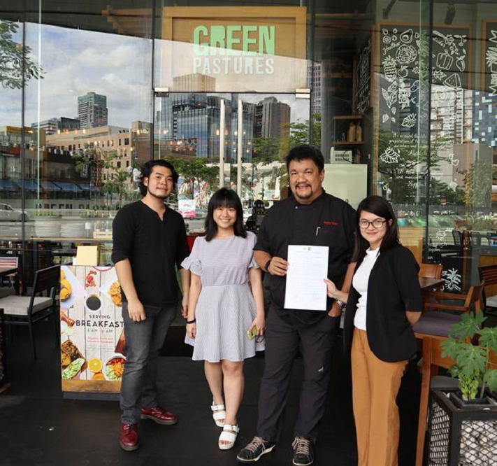 "<h1>Top Restaurants Team Up with WWF</h1> <p>Three of the most well-known restaurants in the country</p> <p style=""text-align: right;""><a href=""https://wwf.org.ph/what-we-do/food/thesustainablediner/cravings-greenpastures-zubuchon-join-the-sustainable-diner/"">Read More ></a></p>"